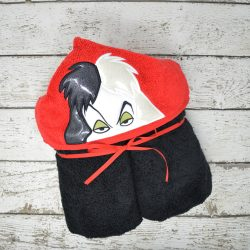 Puppy Queen Hooded Towel